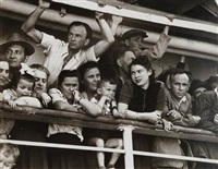 israël. haïfa. l'arrivée de milliers d'immigrants en provenance d'europe de l'est, turquie et tunisie by robert capa