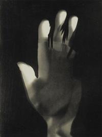 fotogramm (hand) by lászló moholy-nagy