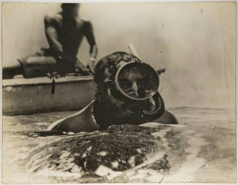 fidel castro snorkelling by roger pic