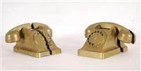 paire de téléphones découpés (in 2 parts) by arman