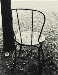 arbre et chaise aux champs elysées by ilse bing