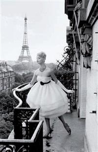 mannequin à la tour eiffel, plaza athénée, paris by christian lemaire