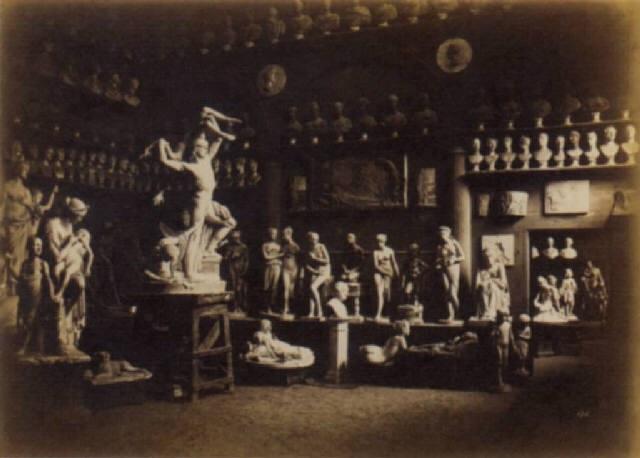 salle des statues et bustes à lintérieur du campo santo by fratelli alinari
