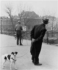 le fox-terrier du pont des arts, 1953 by robert doisneau