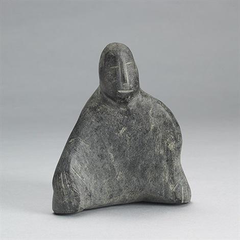 seated figure by elizabeth nutaraluk aulatjut