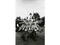 sheila et les policiers motocyclistes, paris by daniel simon