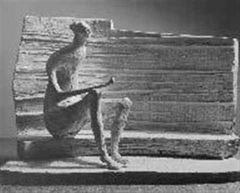 sculpture, femme by henry moore
