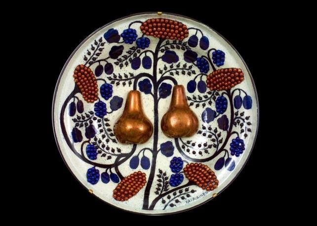 keramiikkavati a ceramic dish by birger kaipiainen