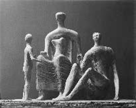 sculpture famille by henry moore