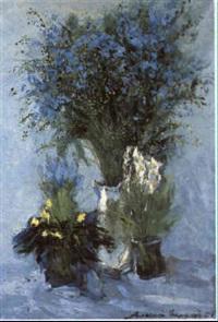 bouquet de fleurs bleues et blanches by aleksei polyakov