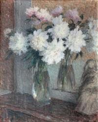 bouquet de pivoines dans un vase auprès d'un miroir by ernest joseph laurent