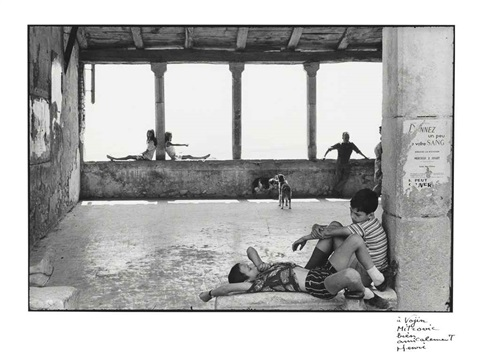 simiane la rotonde by henri cartier bresson