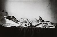 femme enceinte et chaton, new york by elliott erwitt