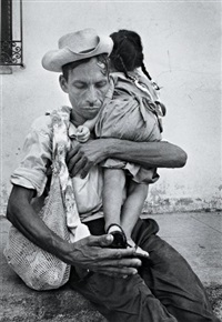homme et sa fille, salvador by cornell capa