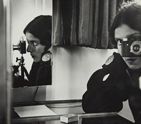 self portrait with leica paris by ilse bing