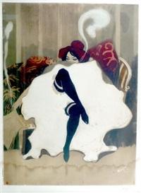 Can-Can-Tänzerin, auf Sofa sitzend in reizvoller
