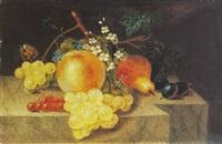 früchtestilleben mit hellen trauben (+ früchtestilleben mit dunklen trauben; pair) by catharina treu