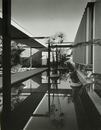 projets des cabinets richard neutra, f. a. i. a. and associates et william l. pereira associates - mariners medical art buildings. astropower inc. automobile agency for lincoln-mercury (4 works) by julius shulman