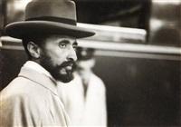 hailé sélassié ier, empereur d'ethiopie, arrivant à genève pour demander de l'aide aux nations unies contre l'invasion fasciste menée par mussolini en ethiopie by lucien aigner