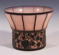vase rosa außen pensée by hans bolek