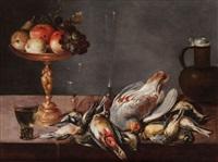 nature morte avec des verres, volaille, fruits et pichet couvert by alexander adriaenssen the elder