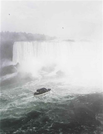 niagara falls by andreas gursky