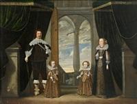 porträt einer familie in einen palast mit blick durch einen portikus auf den bewölkten himmel by wolfgang heimbach
