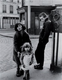 les enfants de la place hébert, paris 18e by robert doisneau