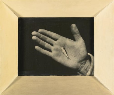 marthas vineyard hand with minnow by aaron siskind