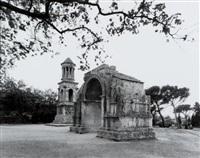 saint-rémy, l'arc de triomphe by gabriele basilico