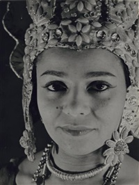 nyota inyoka, danseuse cambodgienne by andré steiner