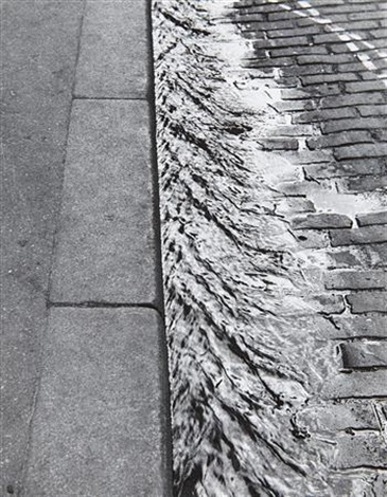 sidewalk, paris by andré kertész