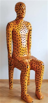 sedící postava by michal gabriel