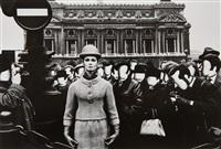opéra + visages blancs, paris (vogue) by william klein