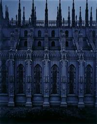 el duomo, vista lateral. (serie: moonlight) by valentin vallhonrat