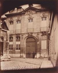 hôtel particulier, place saint-éloi, rouen by eugène atget