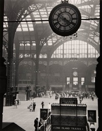 penn station by tony vaccaro