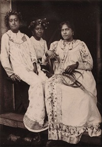 trois tahitiennes by henri lemasson