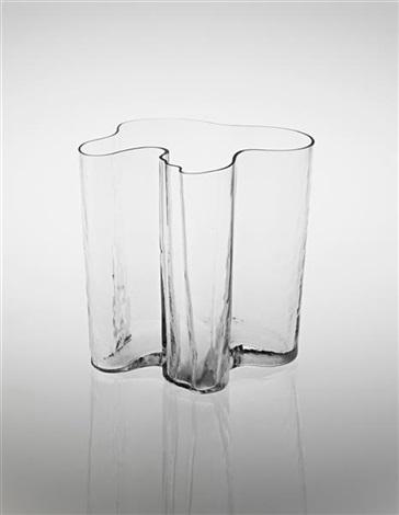 savoy vase model no 3031 by alvar aalto