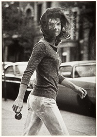 jackie onassis, new york, october 7, 1971 by ron galella