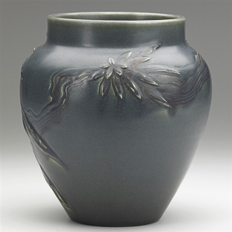 vase by william e hentschel