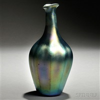 green favrile vase by tiffany studios