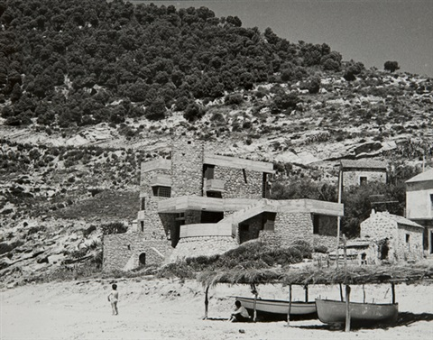 untitled architecture on the beach by mimmo jodice