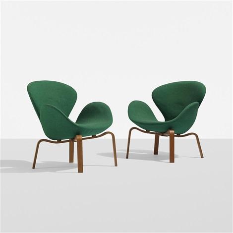 Swan Chairs (pair) By Arne Jacobsen