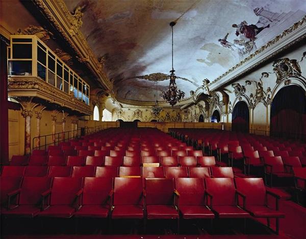 sala alejo carpentier gran teatro de la habana by robert polidori