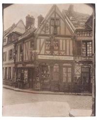 vieille maison rue des lombards, compiègne by eugène atget