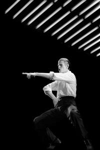 david bowie, concert au pavillon de paris by claude gassian