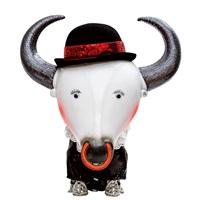 帶著鼻環的紳士 (a gentleman with nose ring) by wu tien-chang