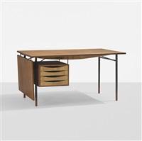 desk by finn juhl