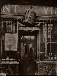 quai de la tournelle - lokal: au tambour - in der tür selbstporträt von atget by eugène atget